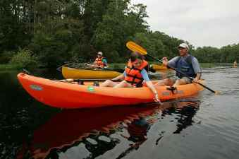canoe-river-boat-water-nature-recreation-sport-adventure-paddle
